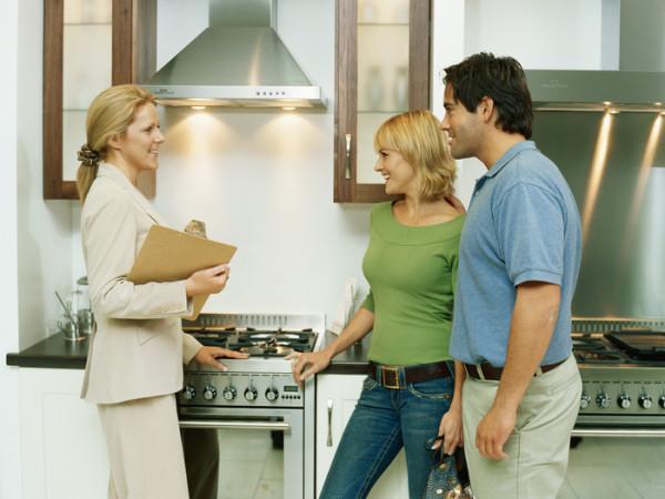 Продаем квартиру - с риэлтором или самостоятельно?