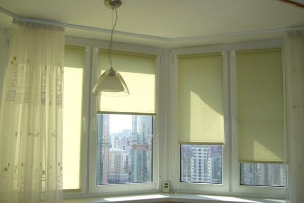 Рулонные шторы на пластиковые окна – возможно, лучший выбор в современном мире