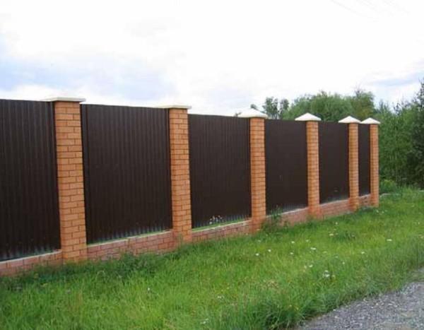 Семь веских поводов установить забор из профлиста
